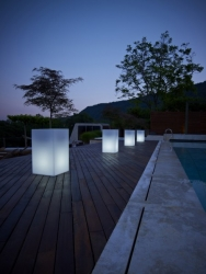 Urban Illuminated Exterior Tall Cube